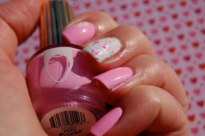 Nailstorming Octobre Rose : Floss Goss Perf, Glam Polish Aquanaut, Essie Blanc
