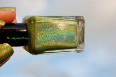 Enchanted Polish March 2014  au soleil ( direct sunlight outdoors)