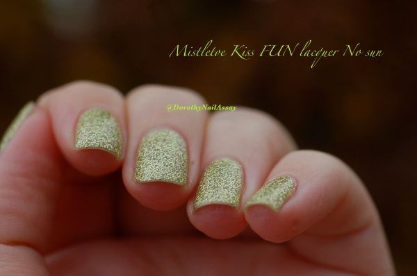 FUN lacquer mistletoe swatch 17