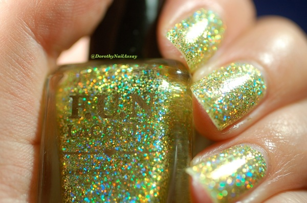 FUN lacquer mistletoe swatch 7
