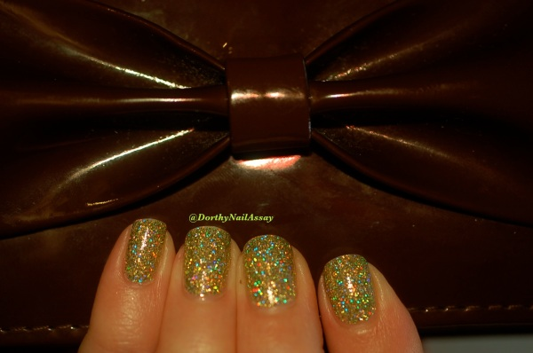 FUN lacquer mistletoe swatch9