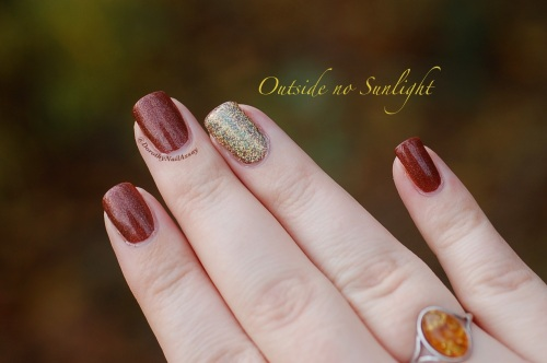 Merida accent nail million dollar dream fun lacquer, natural lightening, outdoors.