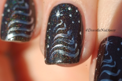 close up Nail art Christmas Tree  with Black saint Colour Alike (2coats) and acrylique painting, sunlight.