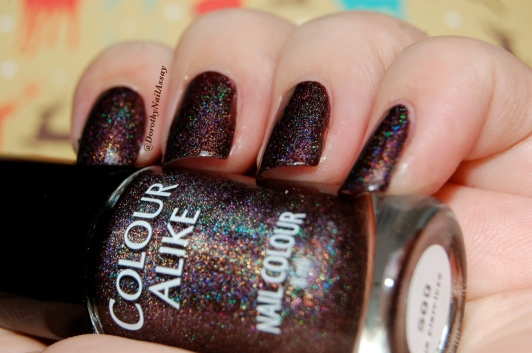 Swatch Colour Alike 500,2 coats, no topcoat, indoors artificial lightning.