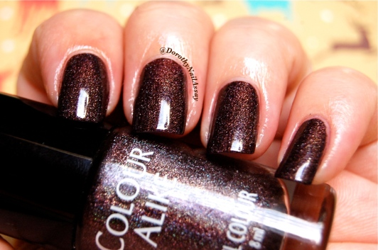 Swatch Colour Alike 500,2 coats, no topcoat, indoors natural lightning.
