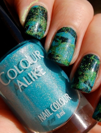 Close up Nail art splatter and dripping  inspired By Pollock, with Colour alike 501, 513 and 517, outdoors sunlight.