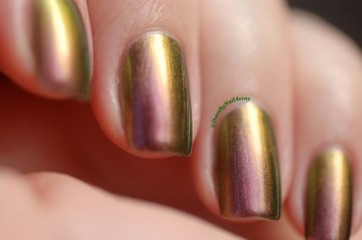 Poinsettia Fun lacquer swatch  natural sunlight.