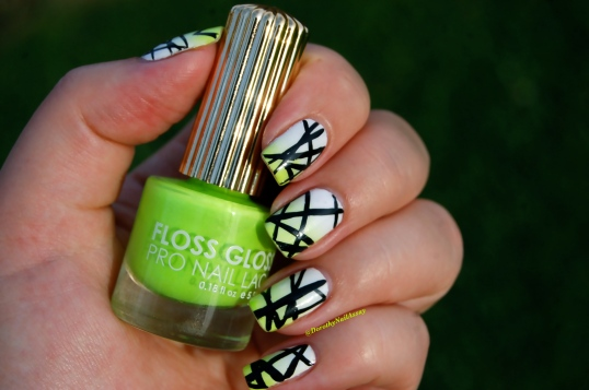 Graphic nail art on  gradient  white-green with Alpine Snow OPI & Con Limon Floss Gloss,  sunlight, outdoors.