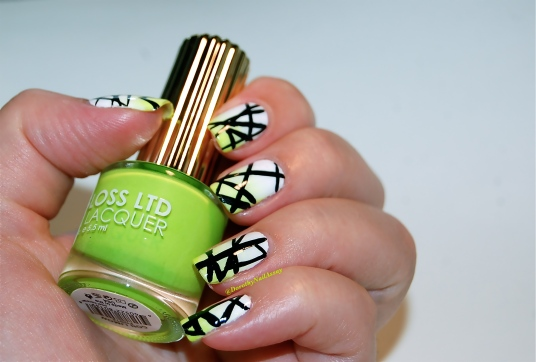 Graphic nail art on  gradient  white-green with Alpine Snow OPI & Con Limon Floss Gloss, artificial lightening, indoors.