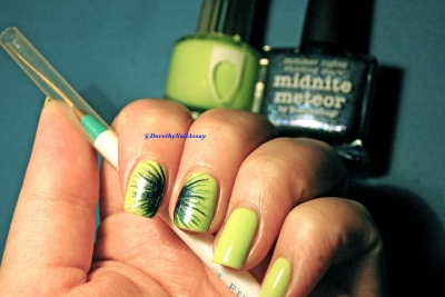 Matérial for Nail art firewoks technic, Picture Polish Midnite Meteor & Floss Gloss Con limon, artificial lightening indoors.