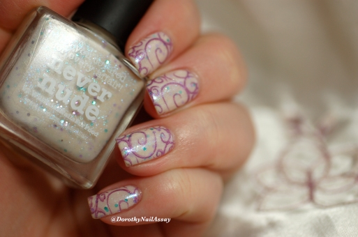 Nail art stamping feerique Picture polish Never Nude et Hussy 15