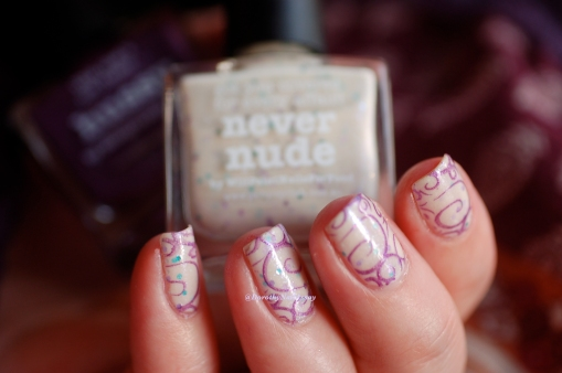 Nail art stamping feerique Picture polish Never Nude et Hussy2