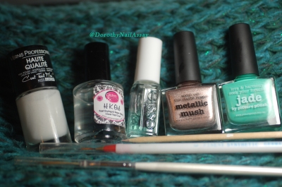 Material and Method for english porcelain nail art  with Picture pOlish Jade and Metallic Mush.