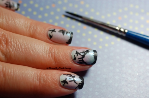 Tutorial  Landscape nail art, step4. draw the trees.