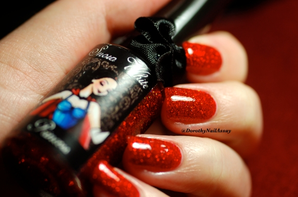 Swatch Snow white Esmaltes Da Kelly , artificial light,