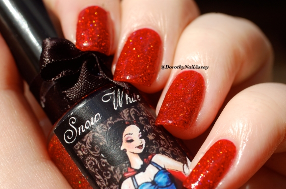 Swatch Snow white Esmaltes Da Kelly , natural sunlight.