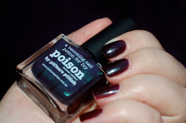 swatch Poison Picture Polish, artificial light.