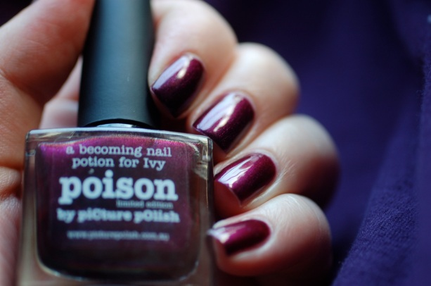 swatch Poison Picture Polish