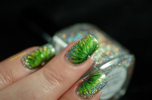 FUN lacquer contest c'est noel 24 karat diamond fireworks nail art 2