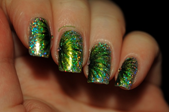 FUN lacquer contest c'est noel 24 karat diamond fireworks nail art 4
