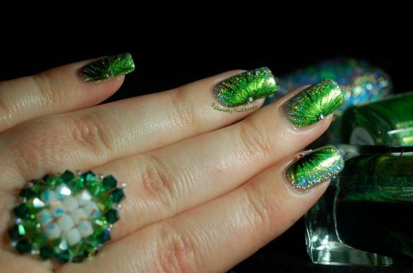 FUN lacquer contest c'est noel 24 karat diamond fireworks nail art 5