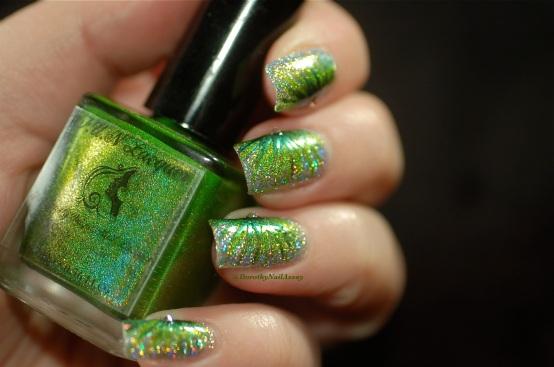 FUN lacquer contest c'est noel 24 karat diamond fireworks nail art 9