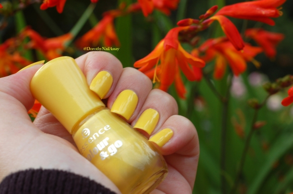 essence wanna be your sunshine swatch 3