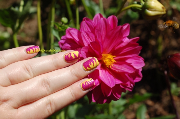 nail art abstrait IEUV under the pink et essence 6