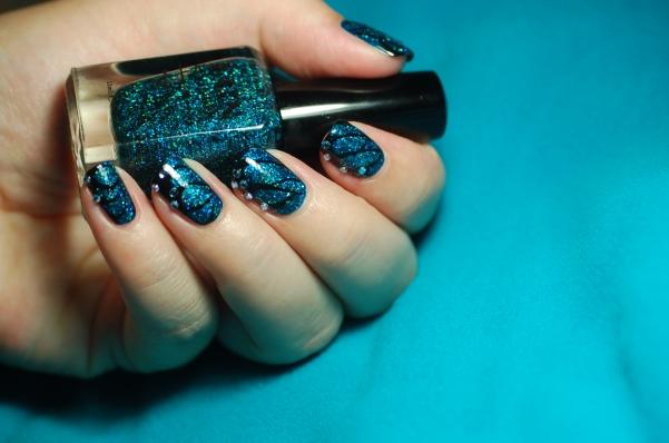 Au départ un nail art fait pour l'anniversaire de Vanille et les Vernis