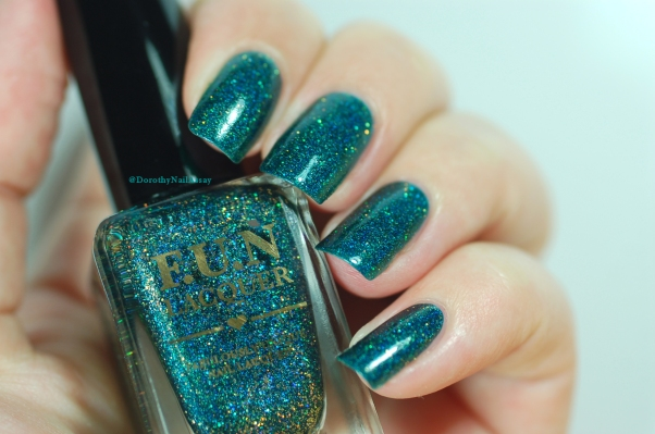 Glitzy Glam Fun Lacquer natural light 2 coats + top coat
