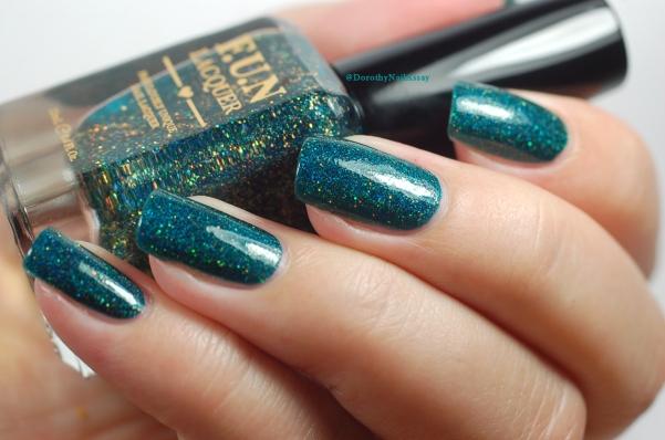 Glitzy Glam Fun Lacquer natural light 2 coats + top coat