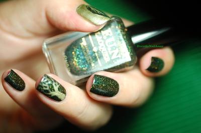 Nail art freehand sur FUN lacquer Green Foliage.