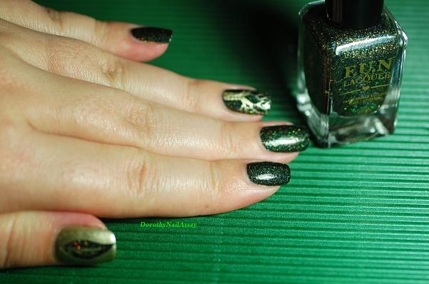 Nail art feuillage pour Green foliage, c'est pas le nail art parfait??