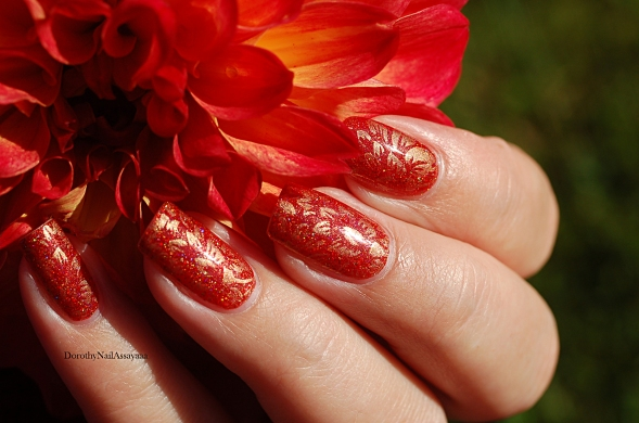 seductive marmalade FUN lacquer + stamping Pueen 93 in the sunlight