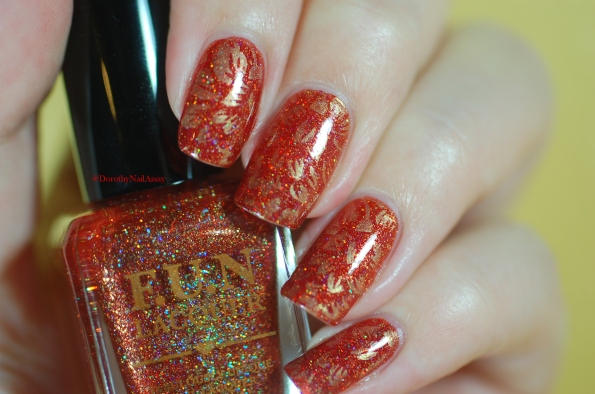 seductive marmalade FUN lacquer + stamping plate Pueen 93 artificial light