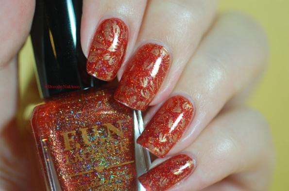 seductive marmalade FUN lacquer + stamping plate Pueen 93 artificial light