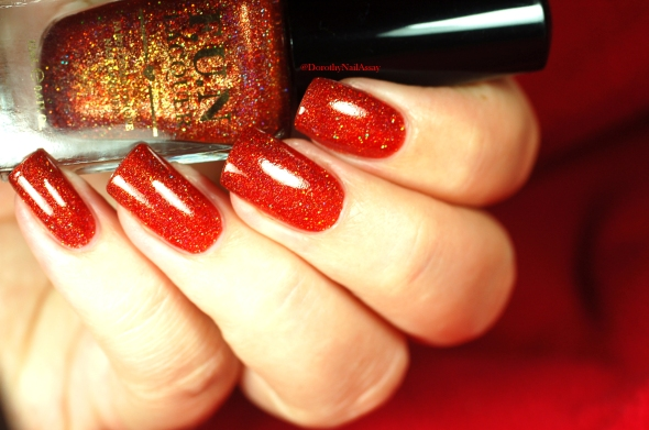sexyyyy red polish Fun lacquer