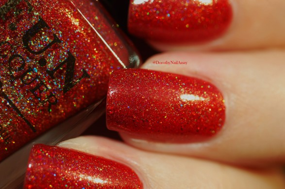 Macro of seductive marmalade FUN lacquer natural light