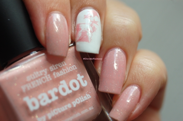 Nail art WD DOG + Bardot Picture Polish natural light