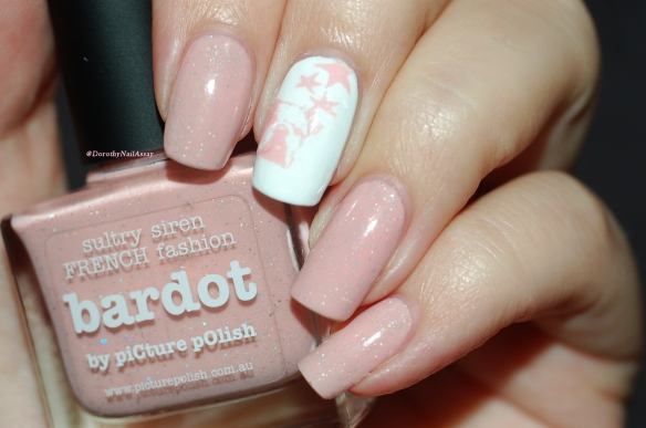 Nail art WD DOG + Bardot Picture Polish artificial light