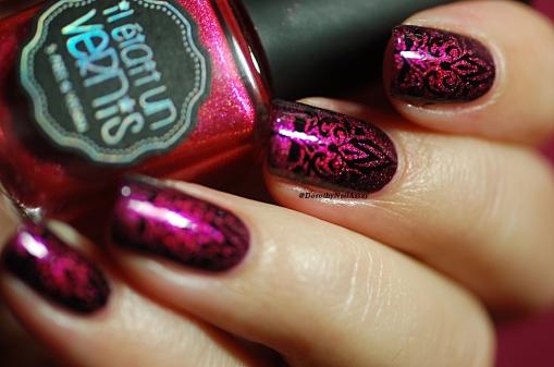 Nail Art Baroque Il Etait Un Vernis stamping aec Pueen Black Jack