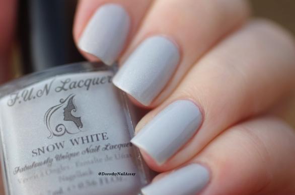 Fun lacquer Snow white natural light