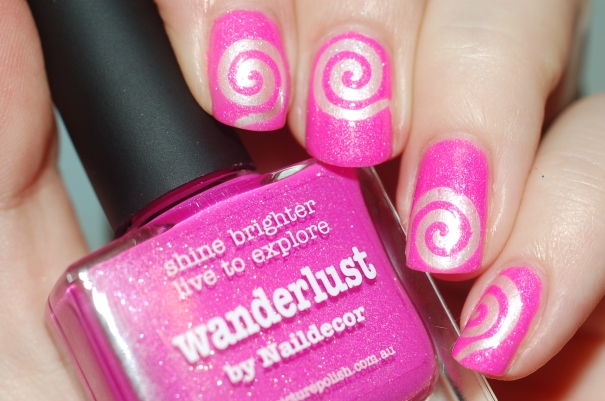 spiral nail art PP Wanderlust + essence 102 + flash