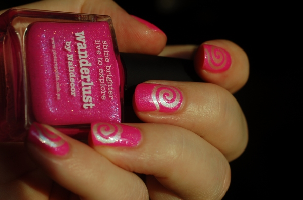 spiral nail art PP Wanderlust + essence 102