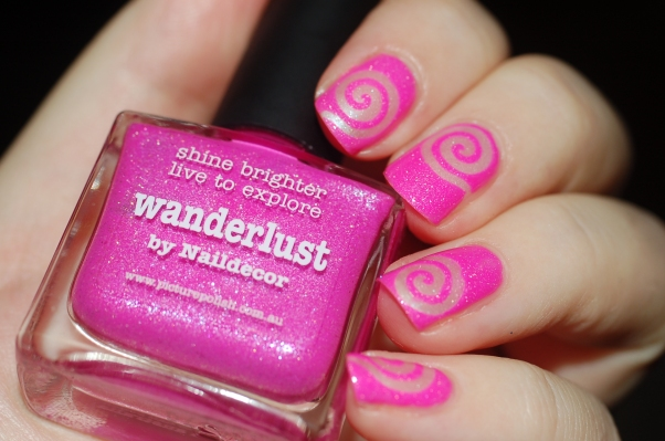 spiral nail art PP Wanderlust + essence 102 + flash