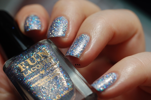 FUN lacquer The art of sparkle swatch