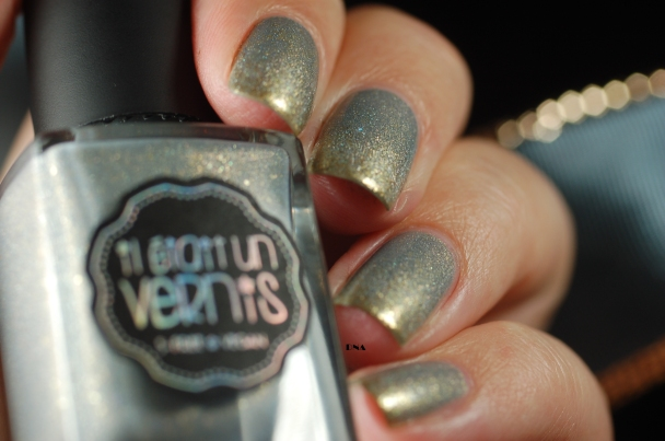 gradient grey-gold