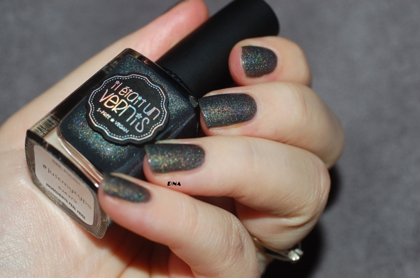 Il Etait Un Vernis Just My Type swatch + flash