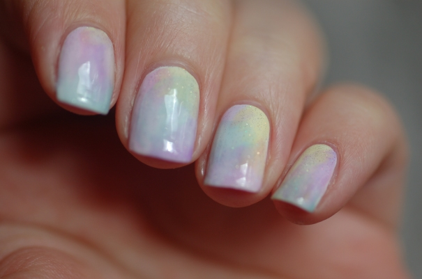 sheer tints OPI rainbow gradient en lumière naturelle