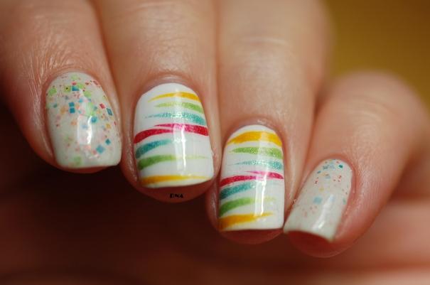 Rainbow stripes avec Il Etait Un vernis  en lumière naturelle